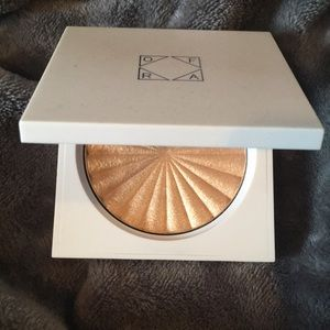 Ofra Cosmetics Highlighter - Rodeo Drive NWT